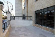 شقة ارضية جديدة للبيع أم اذينة قرب سوق الذهب 220م مع ترس 60م سوبر ديلوكس
