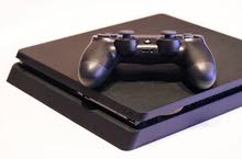 play station 4, for sale , only one month used