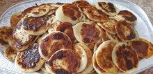 قروص خبز مرضوف بالتمر حلاوة كنافة ونارجيل لذيذة جدا  الأسعار على حسب الطلب