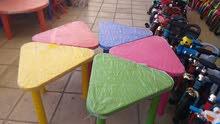 طاولات بلاستك قوي ألوان  مختلفه