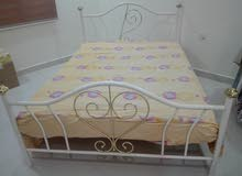سرير لشخصين  مع مترس