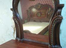 غرفة نوم مزدوج مع الاكبات الجانبيه والتسريحة فقط