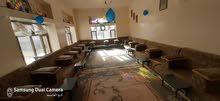 شقة مفروشة للإيجار في الحي السياسي بسبع مية دولار 3 غرف وديوان وصالتين و3حمامات