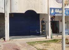محل تجاري للبيع نهاية شارع دبي يمين بجوار مقهى الصباح بجنب معرض أطبيقه للطيور