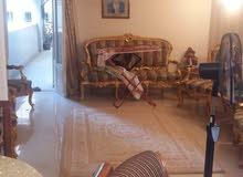 شقة 175م مسجلة بموقع مميز بشارع لبنان الرئيسي