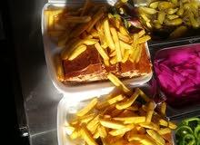 مطعم شاورما وسناك وبروستد للبيع
