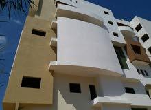 شقة عظم في الدقادوستا 3غرف+3حمامات+مربوعة+صاله+مصعد علي شارعين