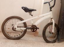 دراجة اللعجال وكاله بحالة قديمه للبيع