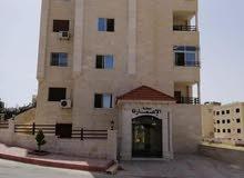 شقة طابقية مميزة بمساحة 170 م للبيع /قرب حديقة إعمار اربد