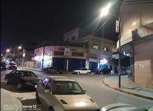 محلات موقع مميز كيرف مقابل البنك الاسلامي ديكور جاهز و قارمات
