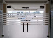 تركيب جميع انواع الزجاج شاور بوكس مرايات طاولات الطعام ابواب وتغير مكائن  جميع المناطق الكويت