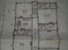 شقة واسعة 200متر في الدور الأرضي 4غرف نوم  4دورات وطبخ