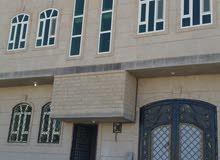 بيت دورين على شارع12 قريب من الشارع العام مكون من الدور الأول مدخل سياره وخزان ا