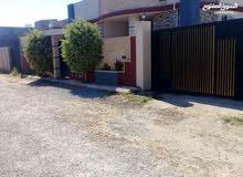 منزل واجهتين خلف صالة زويتة ومخازن الادوية ومدرسة القدس