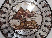 طبق نحاسي منقوش علية الاثار الفرعونية