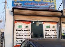 يوجد الدينا تصدير سيارت  ال جمهوريه اليمن  مع شحن لا اليمن