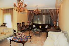 Tla' Ali neighborhood Amman city - 240 sqm apartment for rent