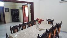 شقة 4غرف وصالون للبيع المحافظة سوق الانتاج