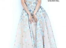 فستان للبيع ماركة شيري هيل