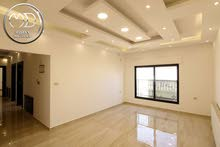 شقة شبه ارضي جديدة للبيع ضاحية النخيل 200م مع ترس وحديقة 150م بسعر مميز