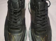 حذاء لويس فيتون قياس 9.5