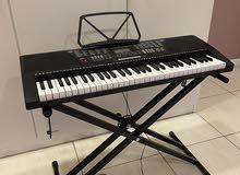 للبيع بيانو أستعمال جداً بسيط