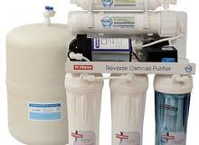 أجهزة تحلية المياه وأجهزة تقطير الماء للمختبرات الطبية والمستشفيات