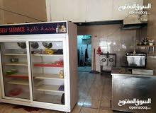 مطعم للبيع بداعي السفر في منطقه القويسمه صناعيه عند مجمع عبود تجاري