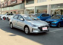 Hyundai - Elantra  / 2.0 L