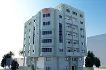 للبيع شقة سكنية 120/140 متر عظم /عمارة حديثة الرمال.