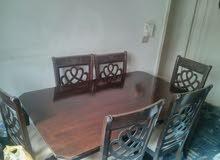 للبيع طاولة الطعام خشب /ماليزي / شبه جديدة استعمال خف