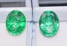 احجار الزمرد مع شهادة المختبر لكل حجر