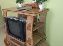 مكتبه وتلفزيون