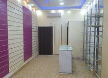 #محل #للبيع في مادبا #على شارع رائسي مرخص لمدة سنة  #مساحته 20 متر  مجهز بديكور