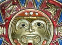 تحفة قديمة جدا شيطانية  وهي من النحاس لوحة فنية.