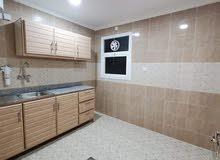 شقة مميزة للايجار بالسالمية - قطعة 3- غرفتين وحمامين ومطبخ- موقع مميز- عمارة جديدة على زاوية