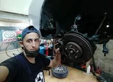 معلم ميكانيك سيارات