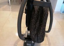 مكنسة كيربي المتعددة المهام، مستعملة استعمال خفيف.