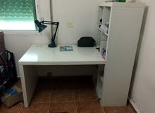 طاولة مكتب مدموج معها خزانه من إيكيا بتصميم رائع