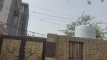 منزل بالمعلا بجانب المشروع السعودي ومستقل يصلح عماره مع بخارات تحت العماره