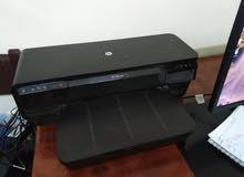 طابعة HP officejet 7110 شغالة من سنه ناقصة حبر بس