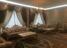 شقة مساحة كبيرة 4 غرف نوم وعدد 2 مواقف
