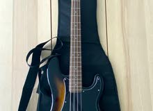 Fender Squier Precision Bass Affinity Series + Fender Rumble 15 Amp