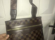 Sac à main Louis Vuitton pour homme