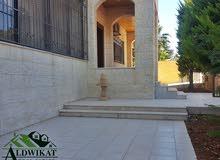 شقة ارضية طابقية للايجار في اجمل مناطق دابوق , مساحة البناء 350 م مساحة الحديقة 200 م بسعر مميز