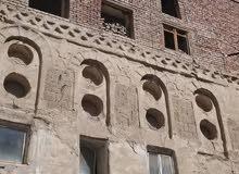 عرطه اثنين بيوت حر الحر 16 لبنه وحوشين امامي وخلفي ب صنعاء القديمة عرطه