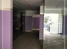 محل لقطه للايجار بمساحة 220م
