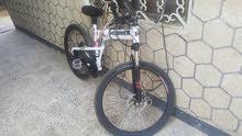 سيكل او دراجه هوائيه من نوع شركهHUMMERهمر الموديل الجديد متسعمل نظيف  قابل للطي