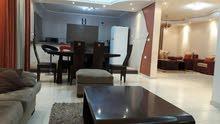 شقة 175م  بتل الهوا شارع الابراج مباشرة للبيع