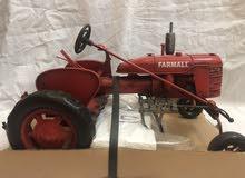 جرار قديم -tractor